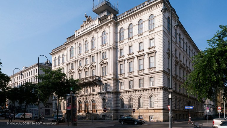 Luxury on Vienna's Börseplatz 1 Square